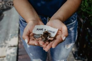 How to Pay it Forward: 5 Ways to Make the World Better